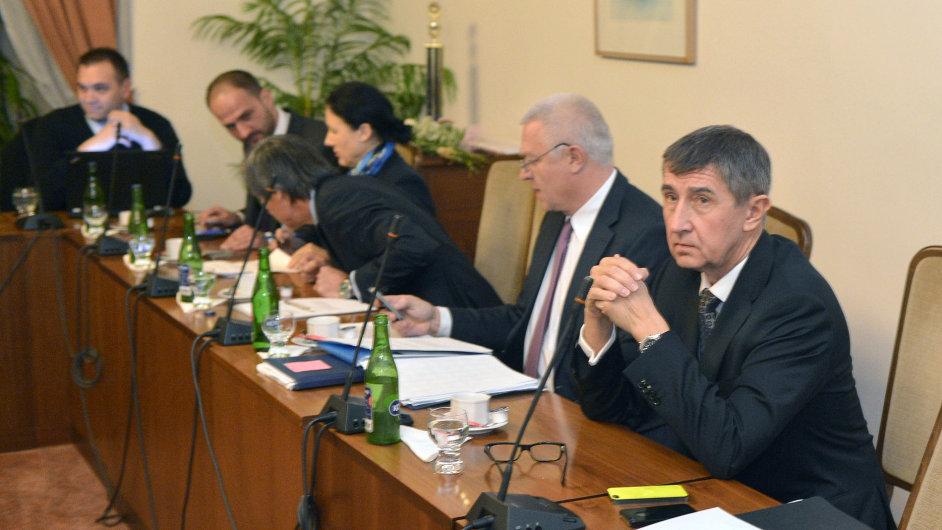 Zástupci hnutí ANO na prvním jednání všech tří stran.