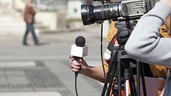 TV Praha, kter� nav�e na kon��c� Metropol, podle Leo�e Pohla p�ebere model region�ln� zpravodajsk� stanice TV Polar.