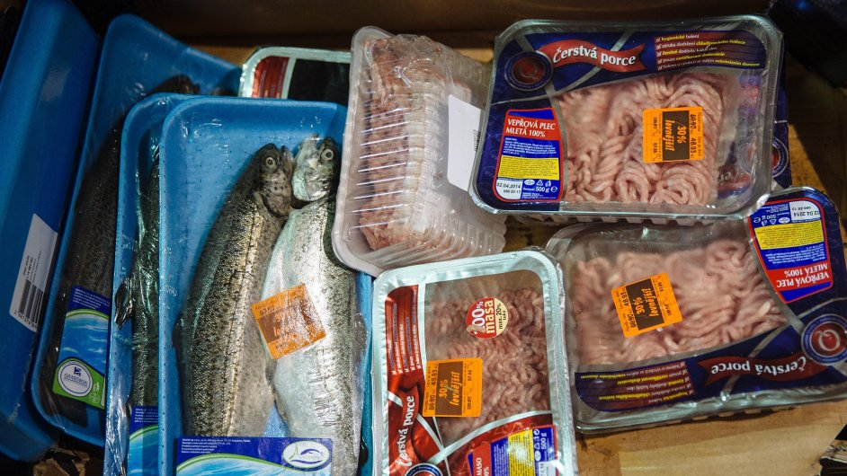 Neprodané potraviny ze supermarketu