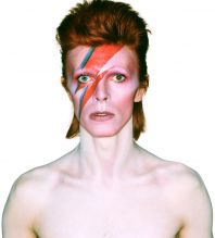 Philharmonie de Paris zahájí provoz výstavou Davida Bowieho.