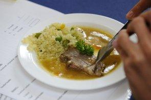 Workshop v Liberci má naučit školní kuchařky vařit zdravěji