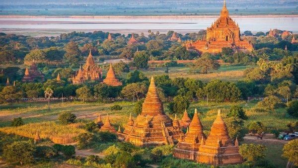 Barmsk� Bagan: �chvatn� m�sto tis�c� chr�m� a pagod