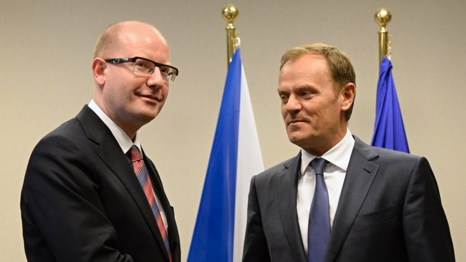 Český premiér Bohuslav Sobotka se v Bruselu sešel s předsedou Evropské rady Donaldem Tuskem.