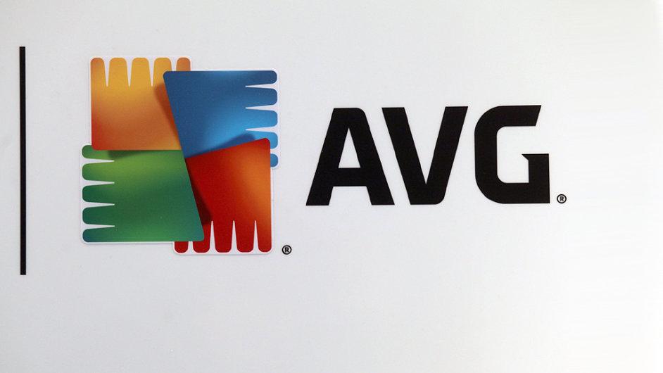 Česká spořitelna se snaží přesvědčit softwarovou firmu AVG, aby se její akcie obchodovaly po New Yorku i v Praze.