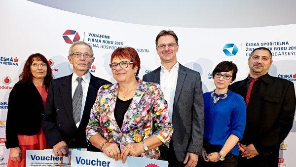 Regionálním vítězem podnikatelské soutěže Živnostník roku se v Jihomoravském kraji stala cukrářka Jarmila Křížová (třetí zleva).