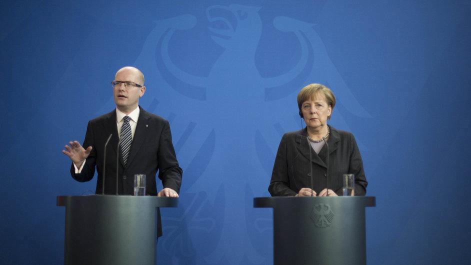 Premiér Sobotka při dřívější návštěvě Německa.