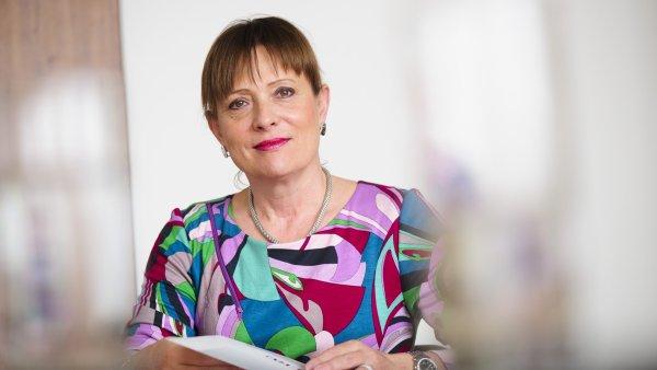 Ministr pr�myslu a obchodu Vit�skovou vyzval u� v listopadu, aby z �ela ��adu dobrovoln� ode�la, ale ne�sp�n� - Ilustra�n� foto.