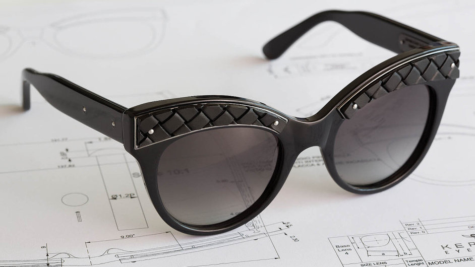Italský módní dům Bottega Veneta přišel slimitovanou sérií brýlí, které budete chtít střežit jako oko vhlavě.