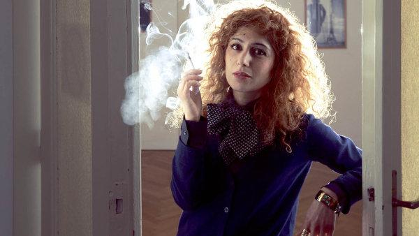 Abnousse Shalmaniová, francouzsko-íránská spisovatelka a novinářka.