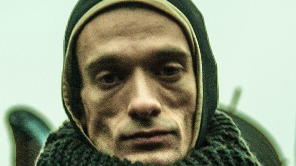 Pjotr Pavlenskij (na snímku) Rusko opustil se svou partnerkou v prosinci.