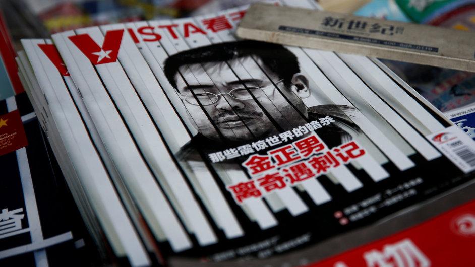 Titulní strana čínského magazínu s fotografií zavražděného Kim Čong-nama