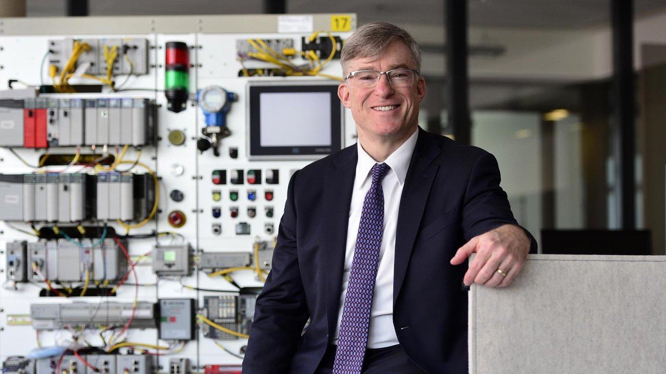 Blake Moret (54) se prezidentem avýkonným ředitelem Rockwell Automation stal včervenci 2016. Vefirmě začínal před 32 lety jako praktikant.