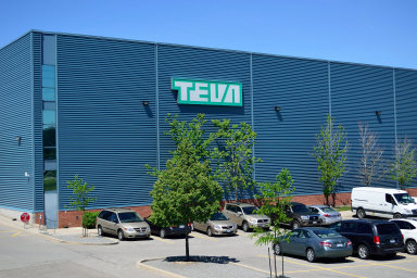 Izraelská farmaceutická firma Teva Pharmaceutical Industries.