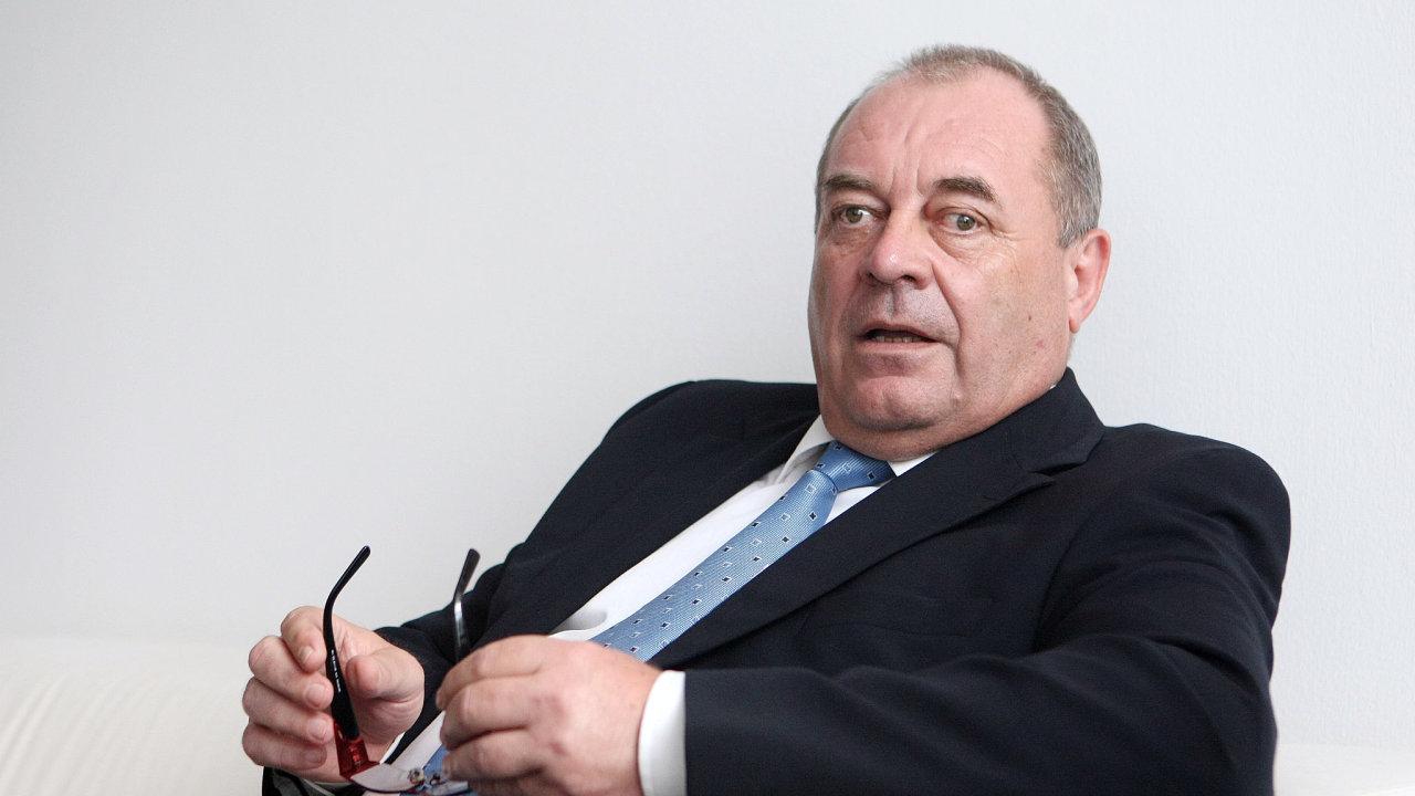 František Koníček, exministr práce.