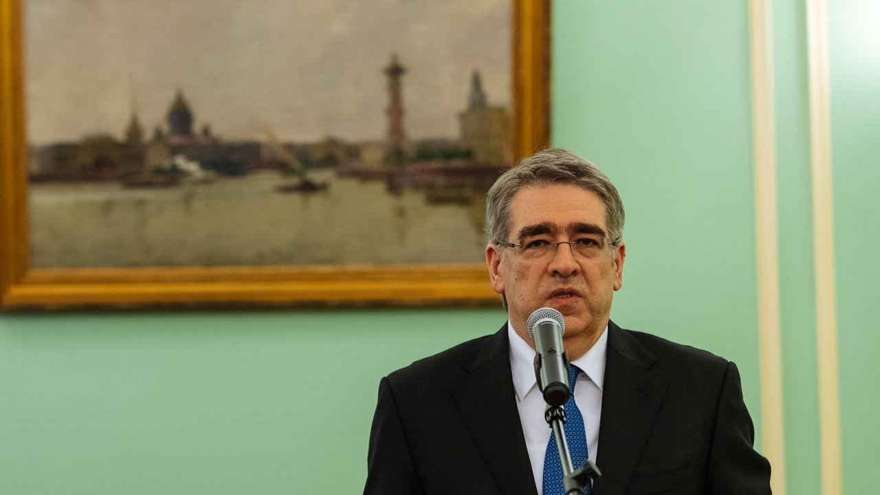 Těrentěv v Česku zastupuje zájmy ruské agentury spadající přímo pod Kreml, která má na starosti správu ruského majetku v zahraničí.