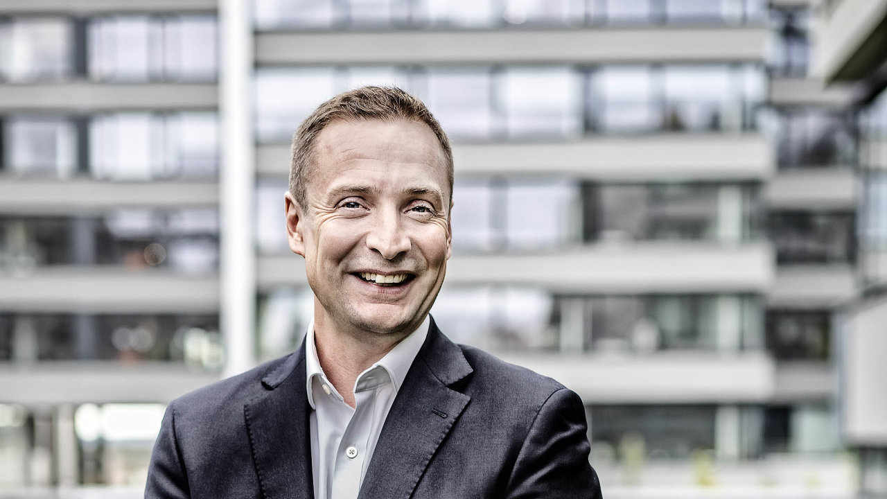Viceprezident firmy Vodafone Jonathan Rutherford