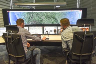 Vostravském operačním centru firmy ABB probíhá globální dohled nad fungováním klientských lodí vesvětových oceánech. Vyvíjí se tu isoftware, který zefektivňuje námořní dopravu.