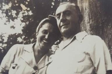 František Bolek do Jižní Ameriky přijel vroce 1911 auž tady izůstal. Nedatovaný snímek jej zachycuje smanželkou Juliettou.