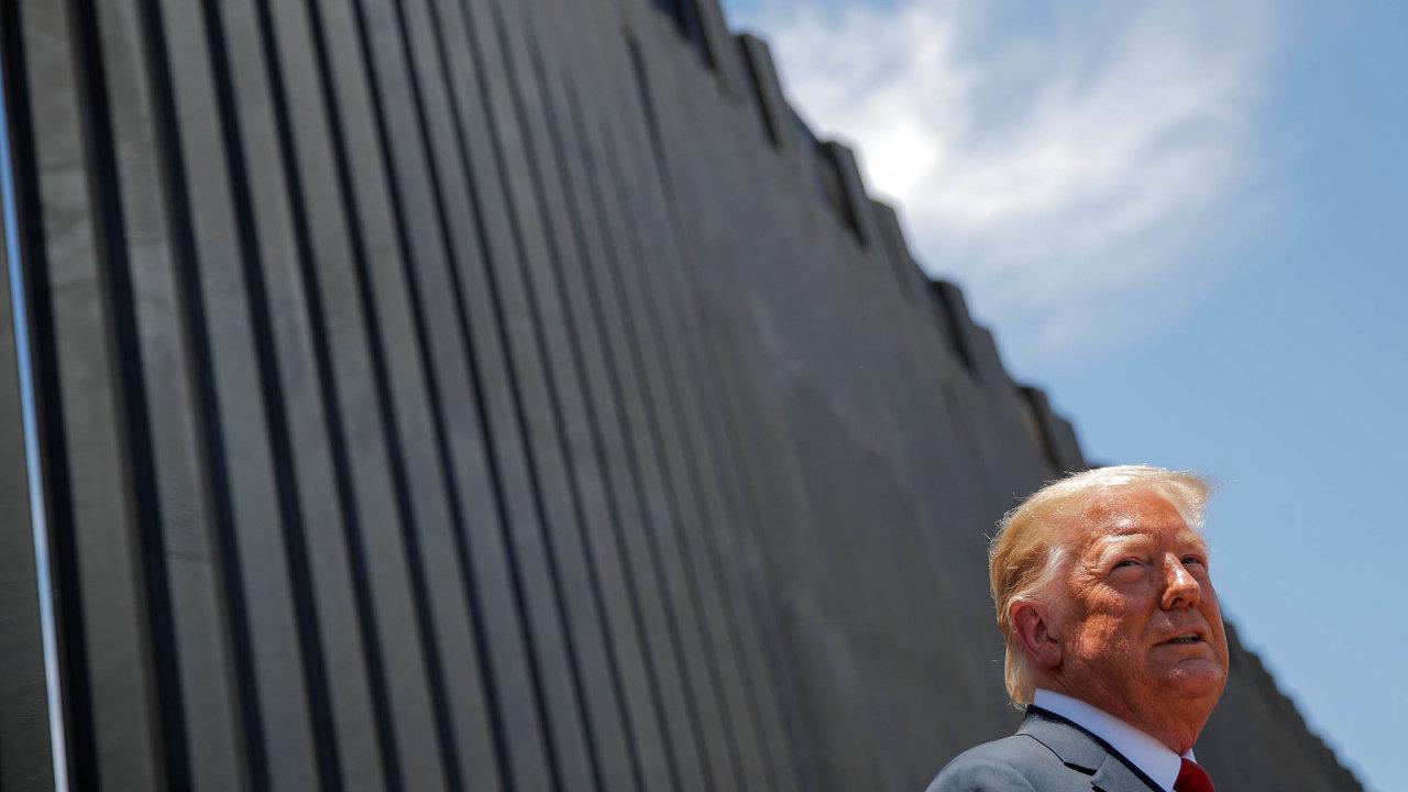 Výstavba zdi na americké hranici s Mexikem patřila mezi hlavní sliby odcházejícího prezidenta Donalda Trumpa.
