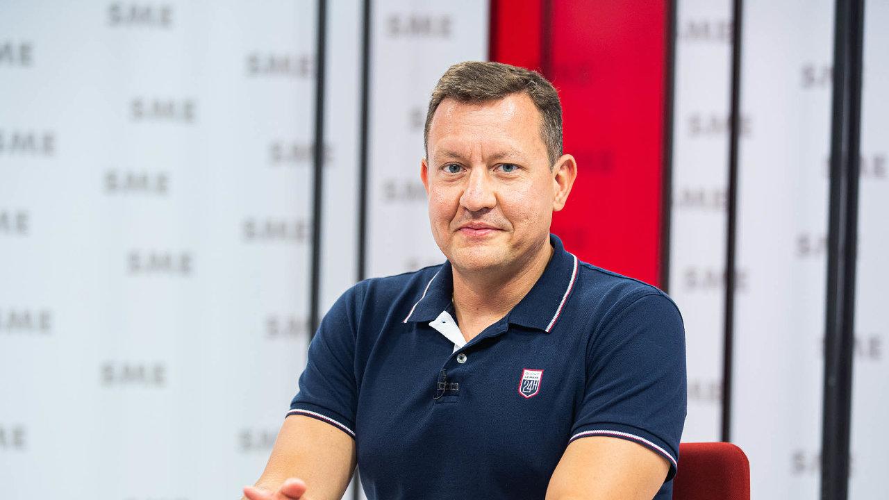 Novým speciálním prokurátorem na Slovensku bude exministr Daniel Lipšic. Jeho předchůdce skončil kvůli obvinění z korupce ve vazbě.