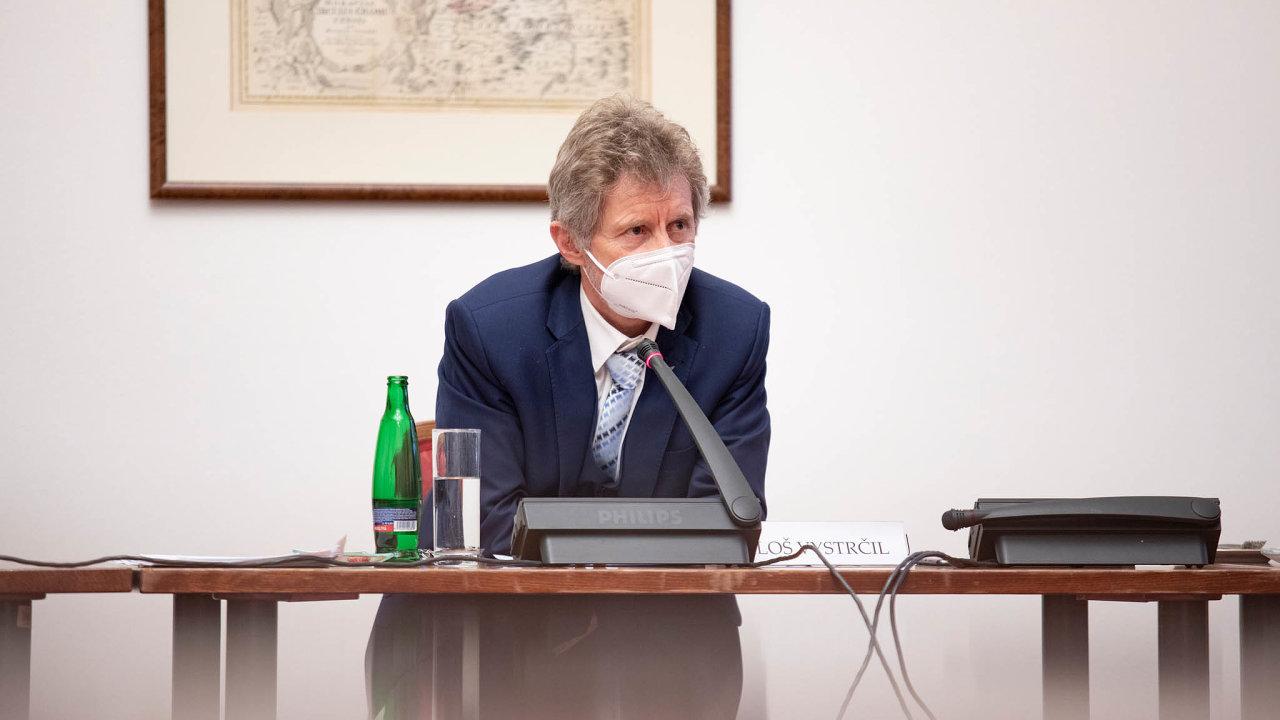 Předseda Senátu Miloš Vystrčil zmírnil tempo, se kterým chtěli senátoři podat ústavní stížnost na nové vyhlášení nouzového stavu.