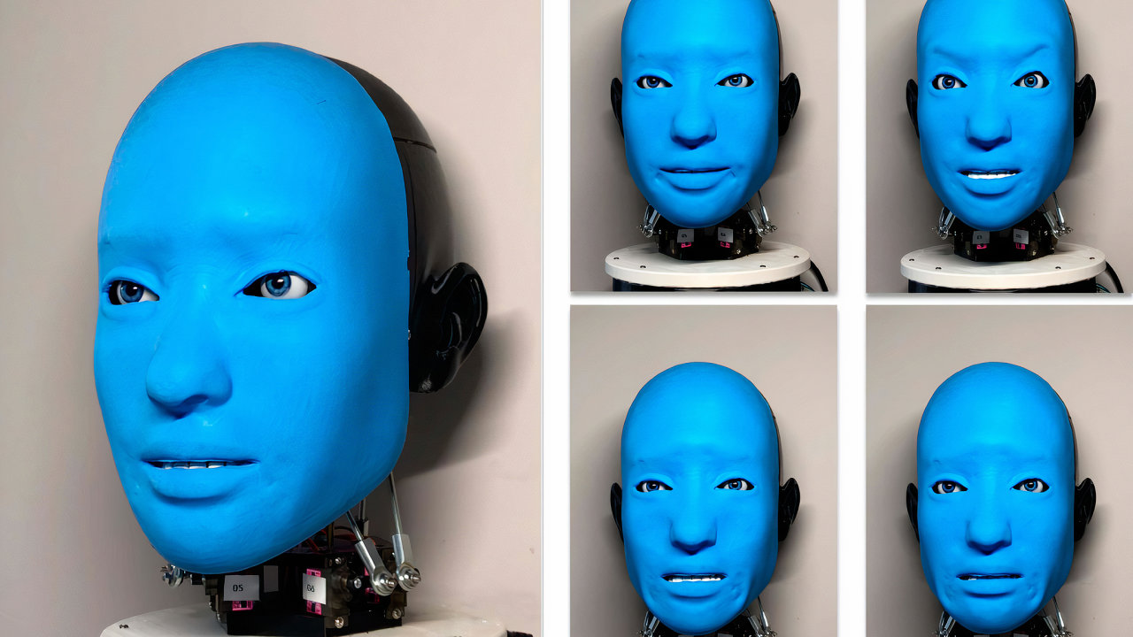 Humanoidní robotka Eva se směje, zvedá obočí, aby dala najevo překvapení či znechucení, nebo se mračí.