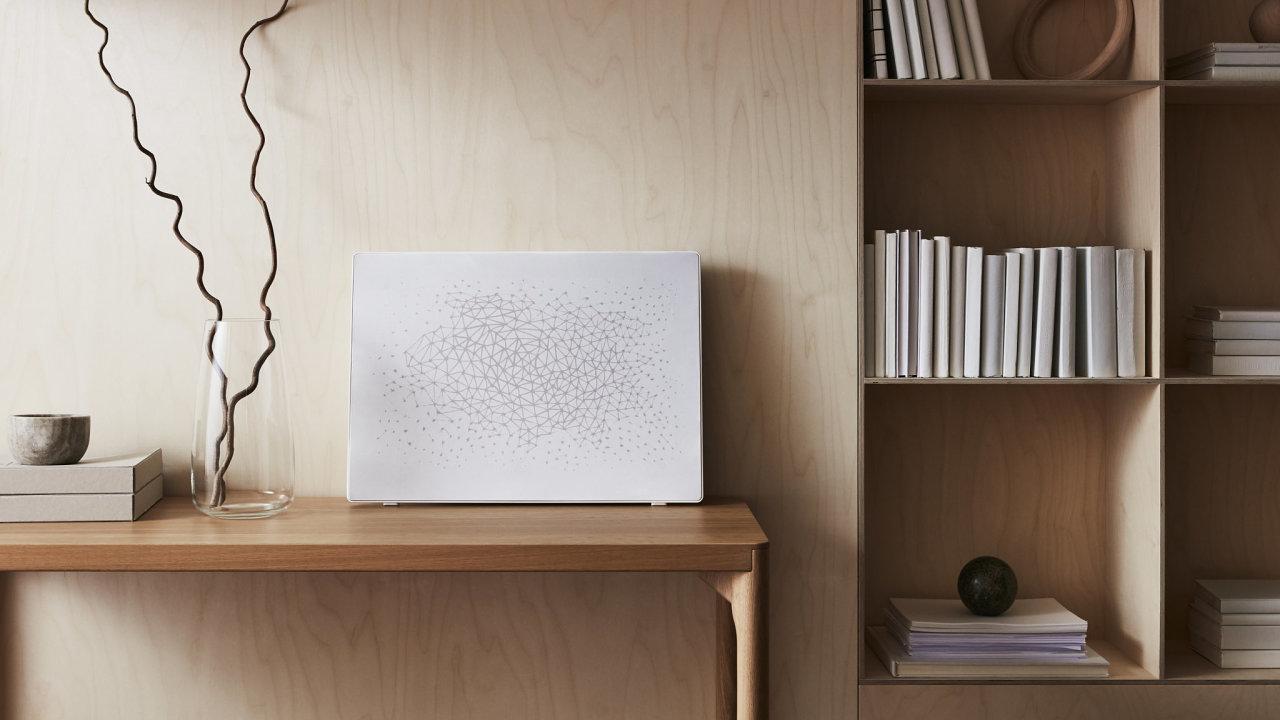 Rám na obrazy Symfonisk je skoro neviditelná wi-fi reprosoustava na zeď.