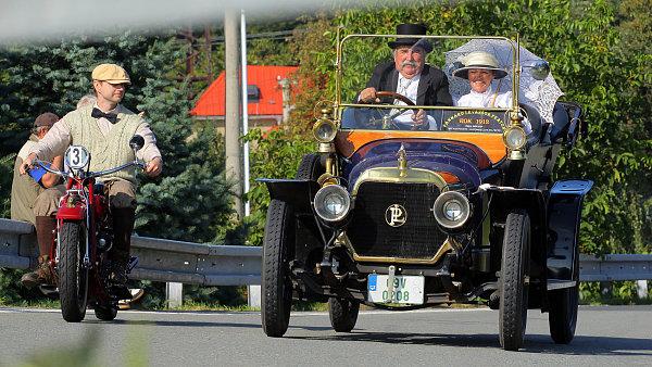 Nejstarším vozem na trati byl loni Panhard Levassor z roku 1912.