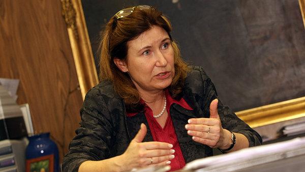 Hlavn� ekonomka �esk� bankovn� asociace Eva Zamrazilov�.