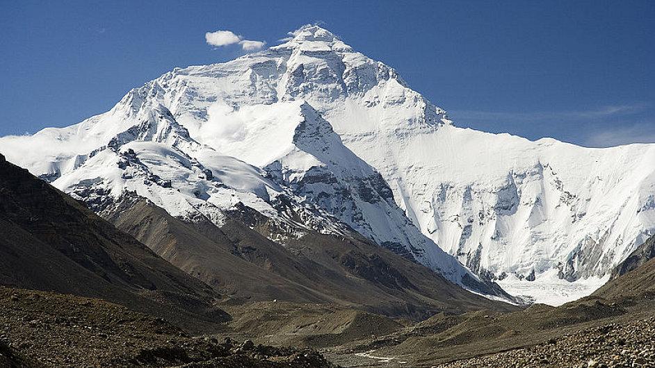 Severní stěna Mount Everestu, pohled ze základního tábora