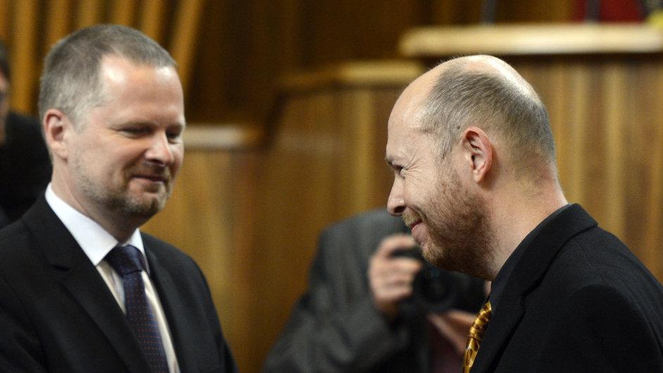 Ministr školství Fiala předal jmenovací dekret profesoru Martinu C. Putnovi.