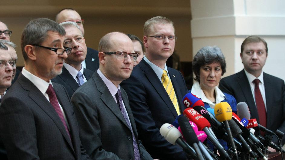 Šéfové koaličních stran Andrej Babiš, Bohuslav Sobotka a Pavel Bělobrádek