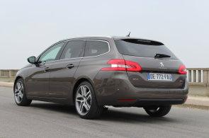 Žebříček nejúspornějších kombíků: Peugeot 308 SW spotřebuje 3,2 litru nafty na 100 kilometrů