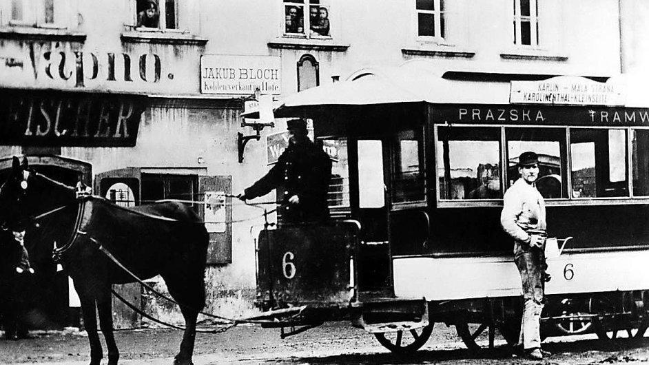 Příběhy z devatenáctého století obvykle autory nutí nasadit mírnější tempo odpovídající rychlosti koňského povozu. Stančíkův román je ale téměř