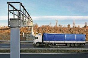V Česku platí mýto nákladní auta na dálnicích a rychlostních silnicích, od příštího roku i na silnicích první třídy.
