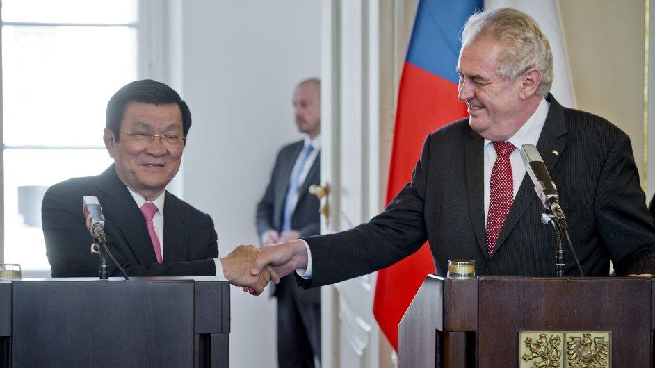 Miloš Zeman se setkal se svým vietnamským protějškem.