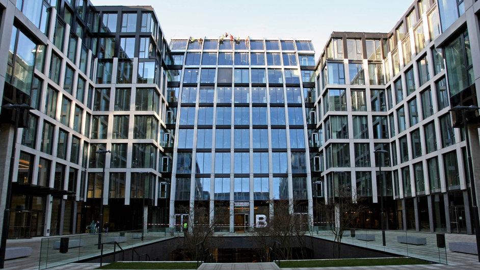 Ochota bank financovat kancelářské projekty sice klesla, ale komplexu Florentinum se to netýká. Jeho vlastník nedávno na projekt získal refinancování.