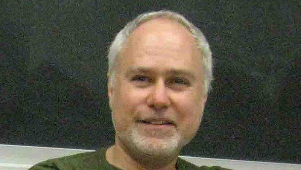 Vedoucí projektu Harold Apter spolupracoval na seriálech Star Trek: Nová generace či Walker, Texas Ranger.