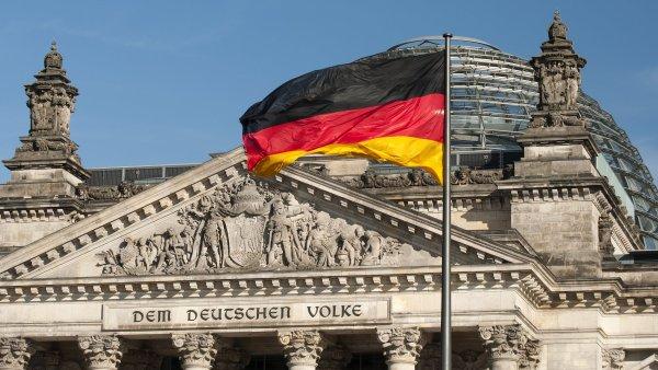 Německo je největší evropskou ekonomikou. Prognózy růstu jejího letošního HDP místní vláda ještě zvýšila - z 1,5 procenta na dvě procenta.