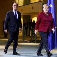 Evropa Rusku pohroz� sankcemi kv�li vra�d�n� v S�rii, zat�m ale ��dn� nezavede.