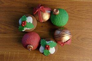 Vánoční cukroví originálně i zdravě: Zkuste cupcaky s perníkovým kořením a přírodní sirupy místo cukru