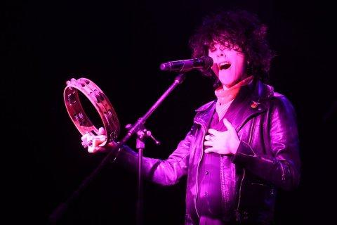 Snímek z pondělního koncertu LP v pražském Roxy.