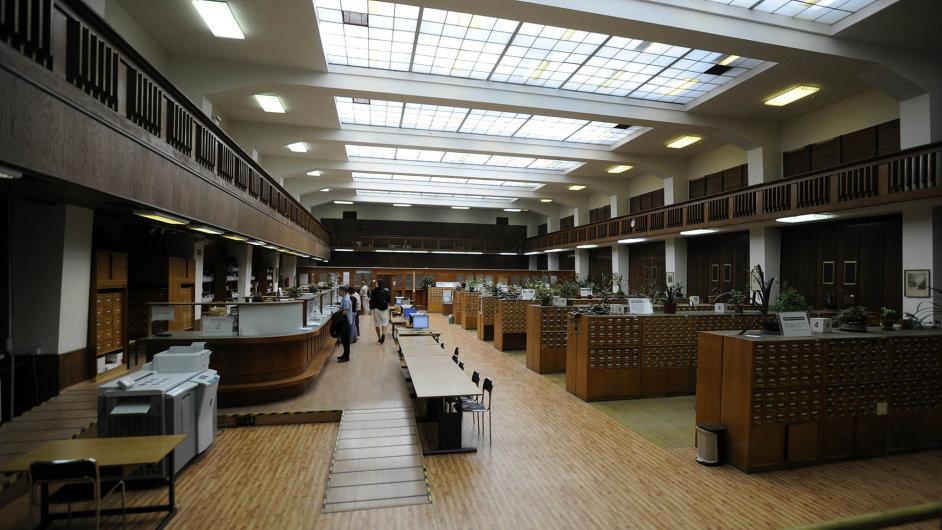 Na snímku je hala služeb v pražském Klementinu, sídlu Národní knihovny.