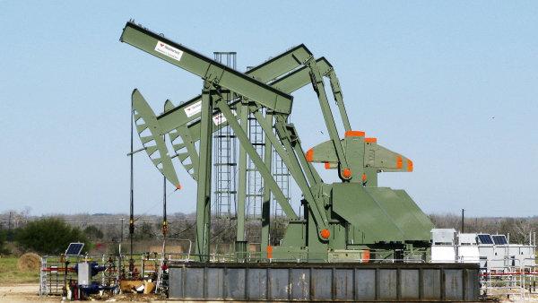 Členové OPEC souhlasí s prodloužením omezení těžby ropy do druhého pololetí, chtějí stabilizovat klesající ceny. – Ilustrační foto