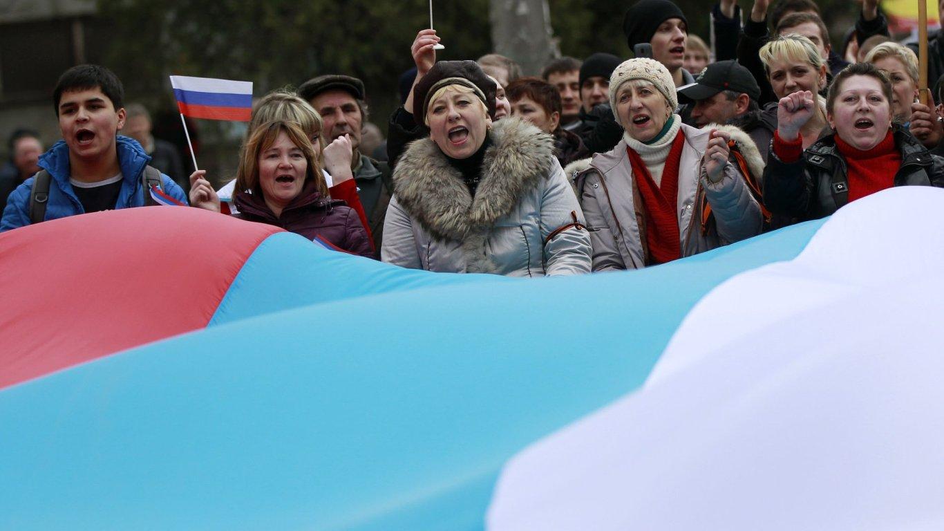 Do ulic na Ukrajině vyrazili proruští aktivisté