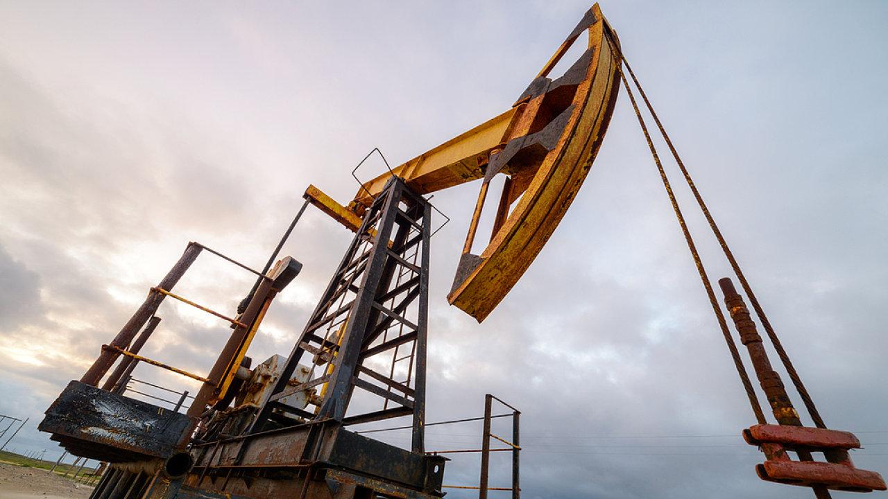 OPEC a jedenáct dalších zemí plní dohodu o omezení těžby - Ilustrační foto.
