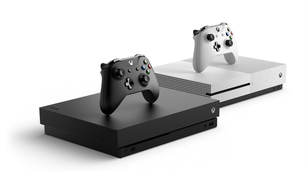Xbox One X Scorpio Edition si mohli objednat největší fanoušci v omezeném množství.