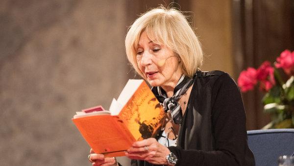 Ayse Kulinová v Senátu četla z románu Poslední vlak do Istanbulu, který nedávno v českém překladu vydalo nakladatelství Host.