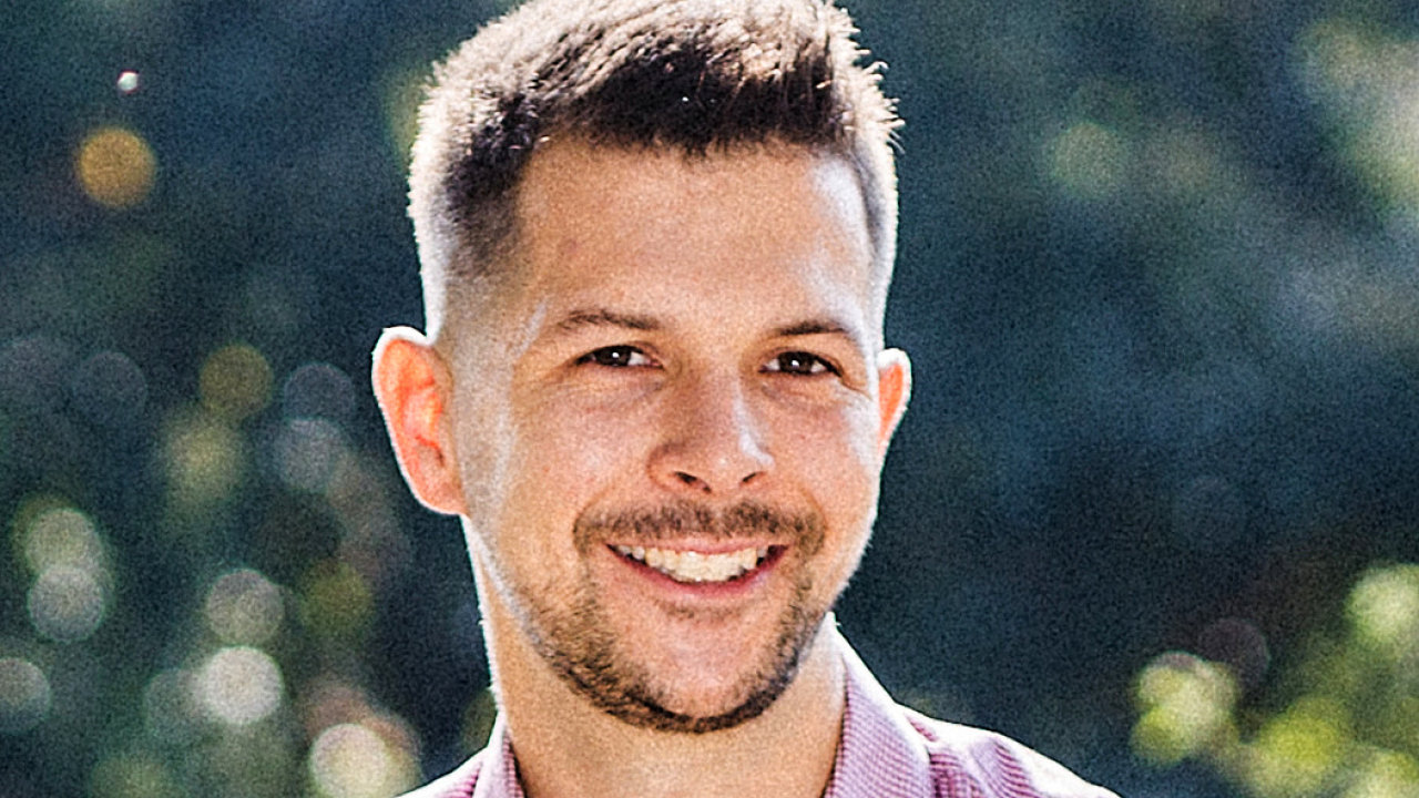 Dan Tržil, lektor školení na tvorbu podcastů na portálu Dobrý web