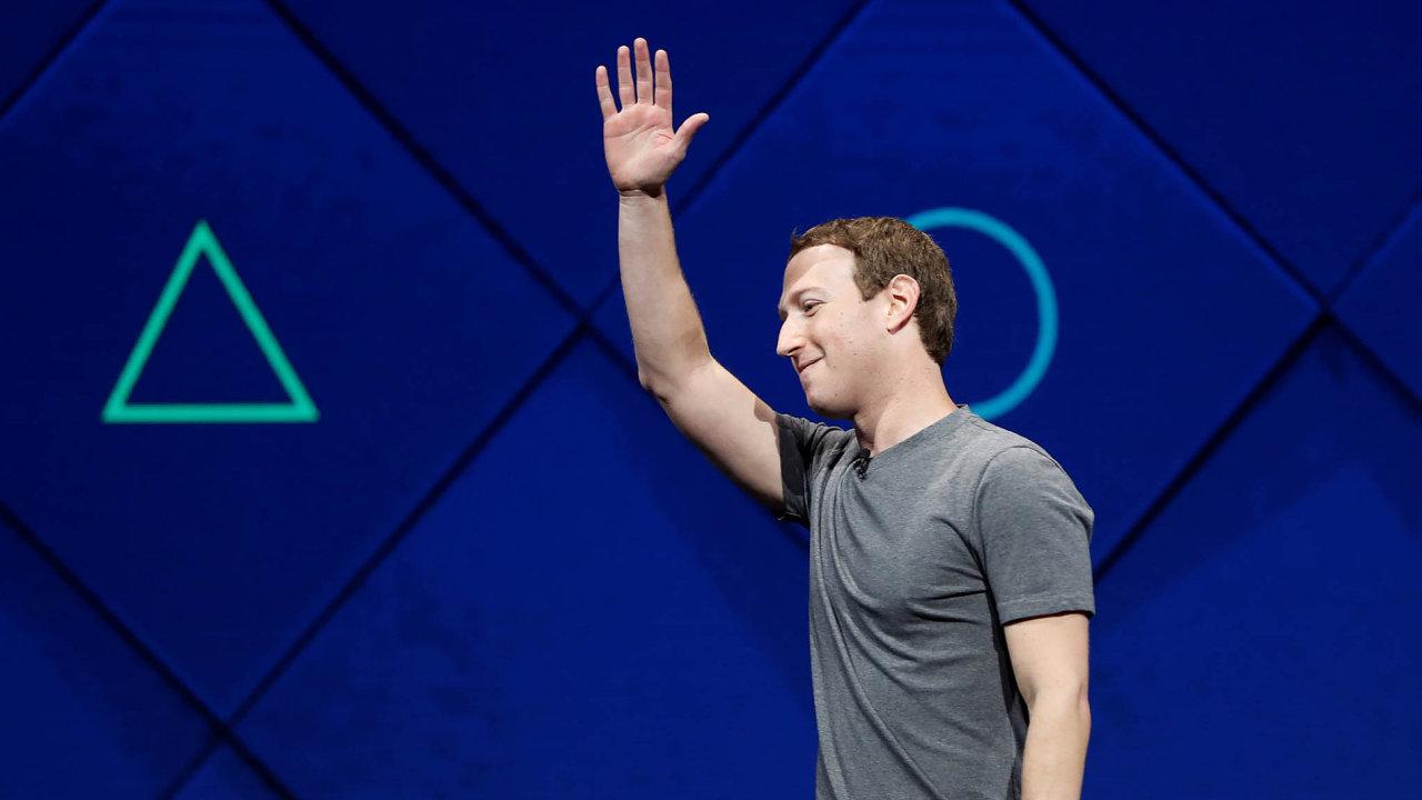 Šéf Facebooku Mark Zuckerberg prý nedovolí lidem provozovat falešné účty.
